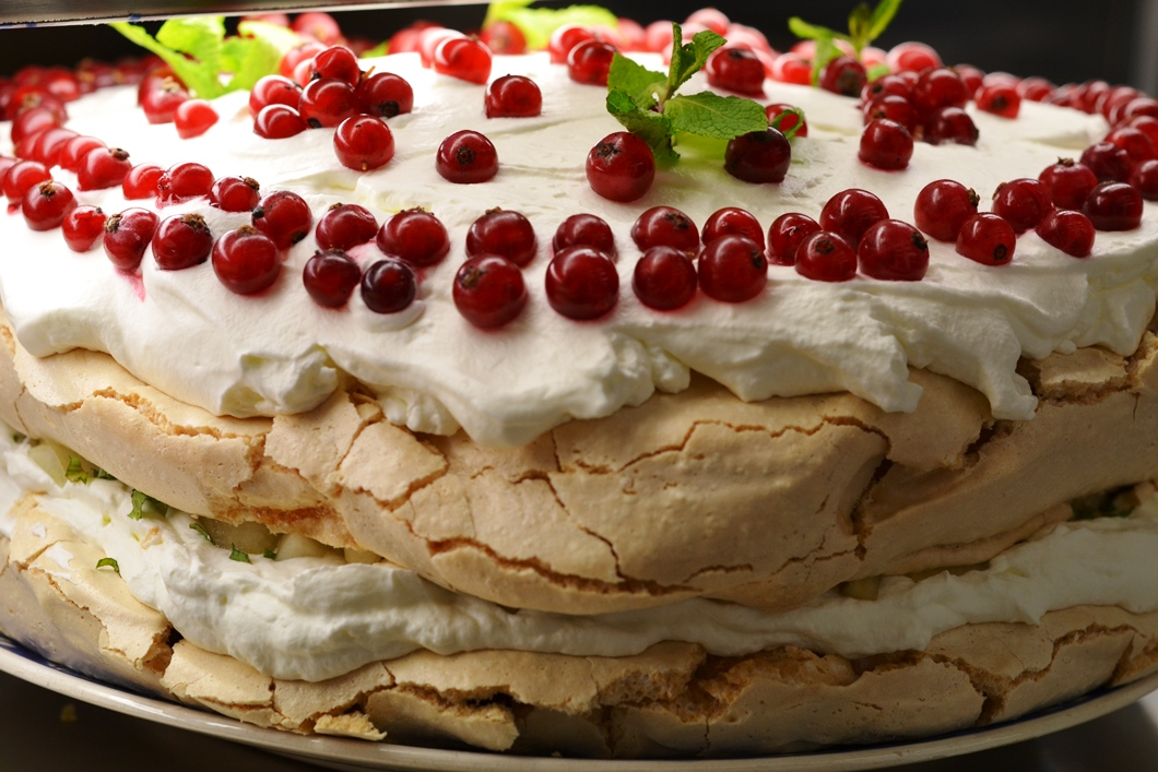 Tort pavlova pitesti