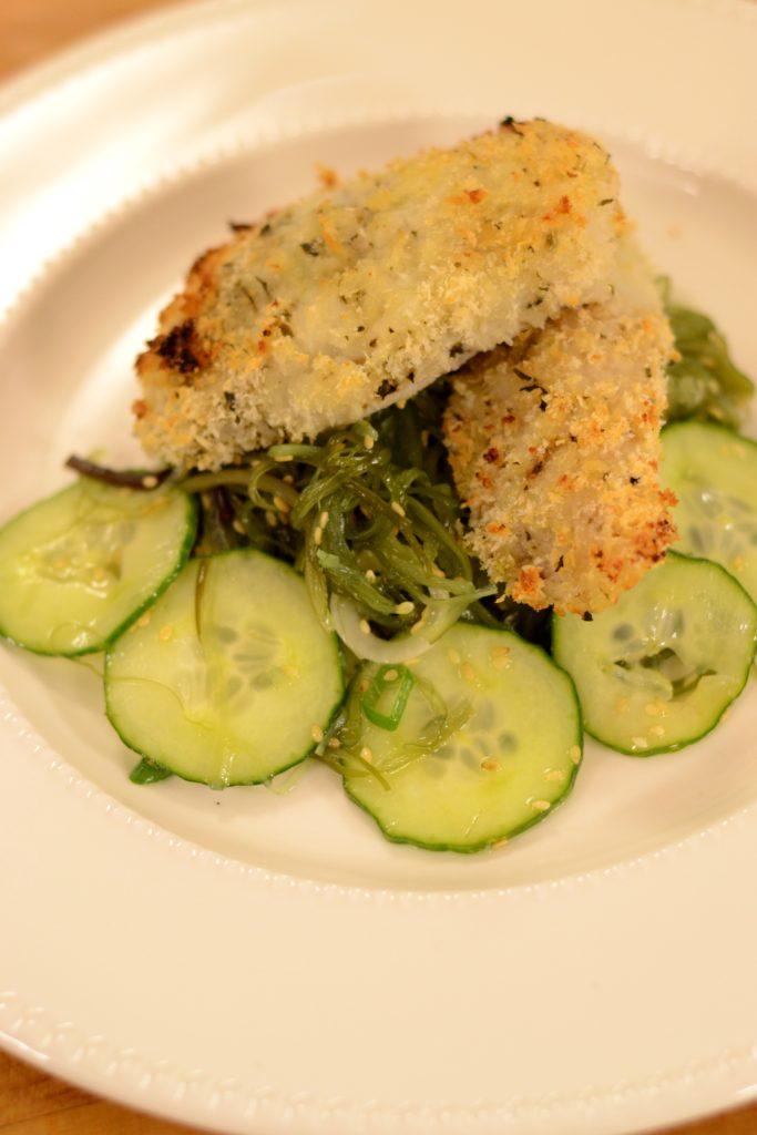cod in panko cu salata de alge wakame