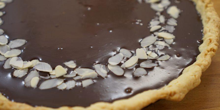 Tarta espresso cu alune, ciocolata si lichior de cafea