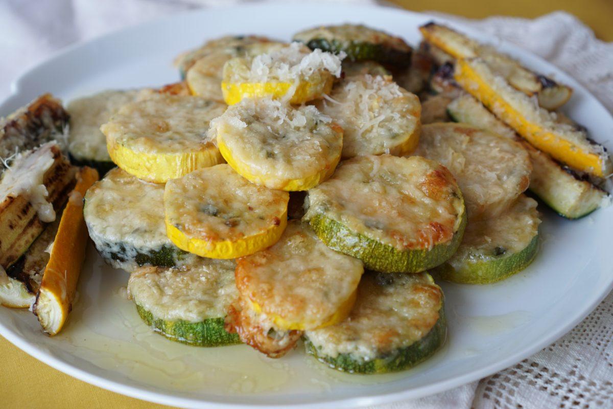 Biscuiti de zucchini cu parmezan